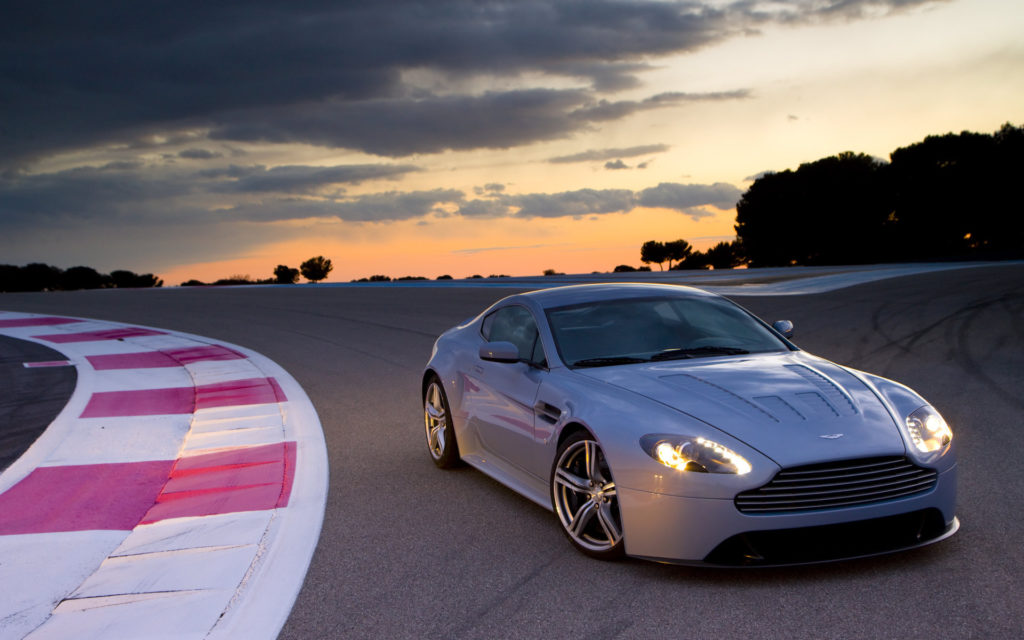 Aston Martin V12 Vantage Widescreen Wallpaper