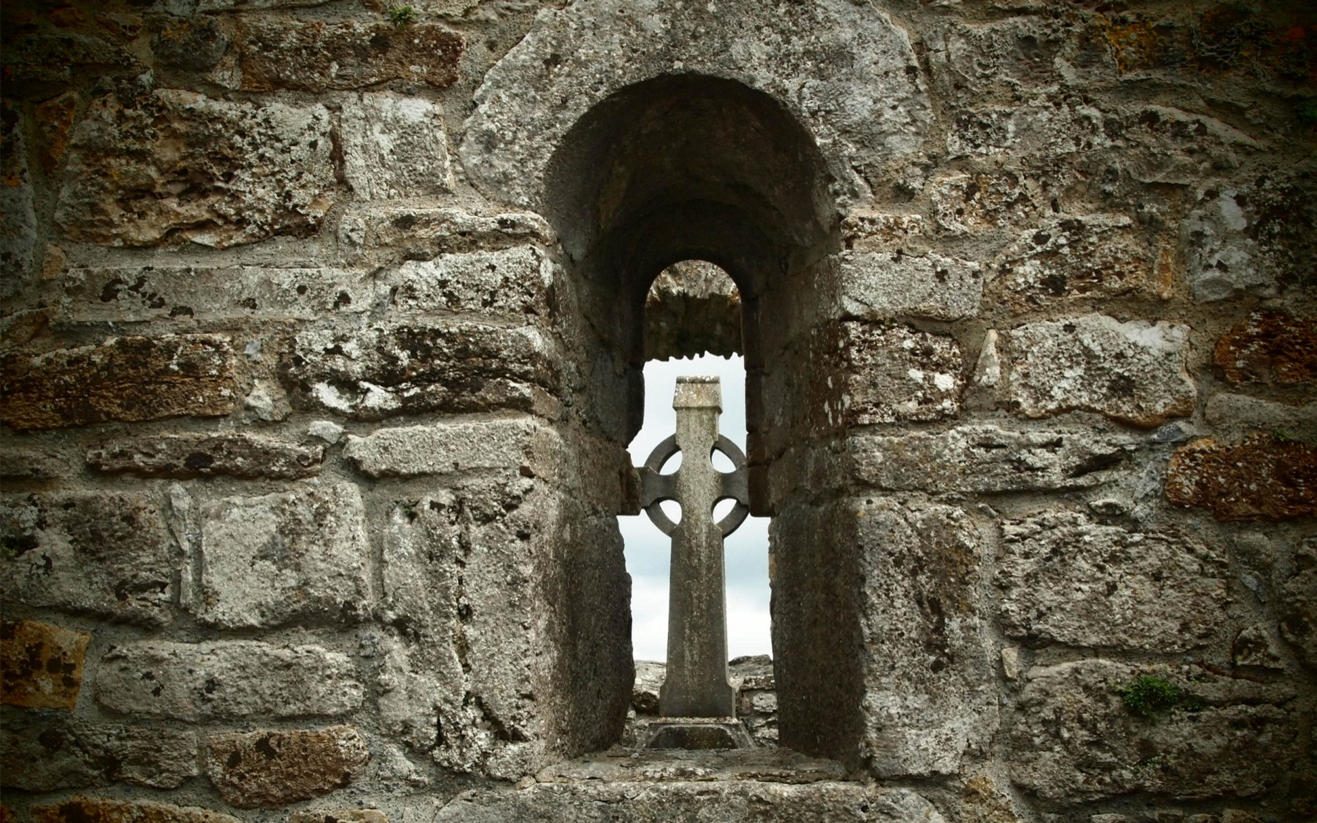 Clonmacnoise Monastery Wallpapers, Pictures, Images