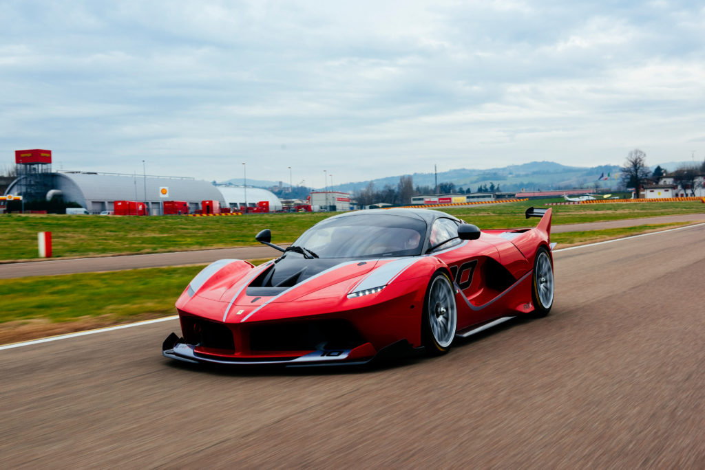 Ferrari FXX Wallpaper 4096x2734