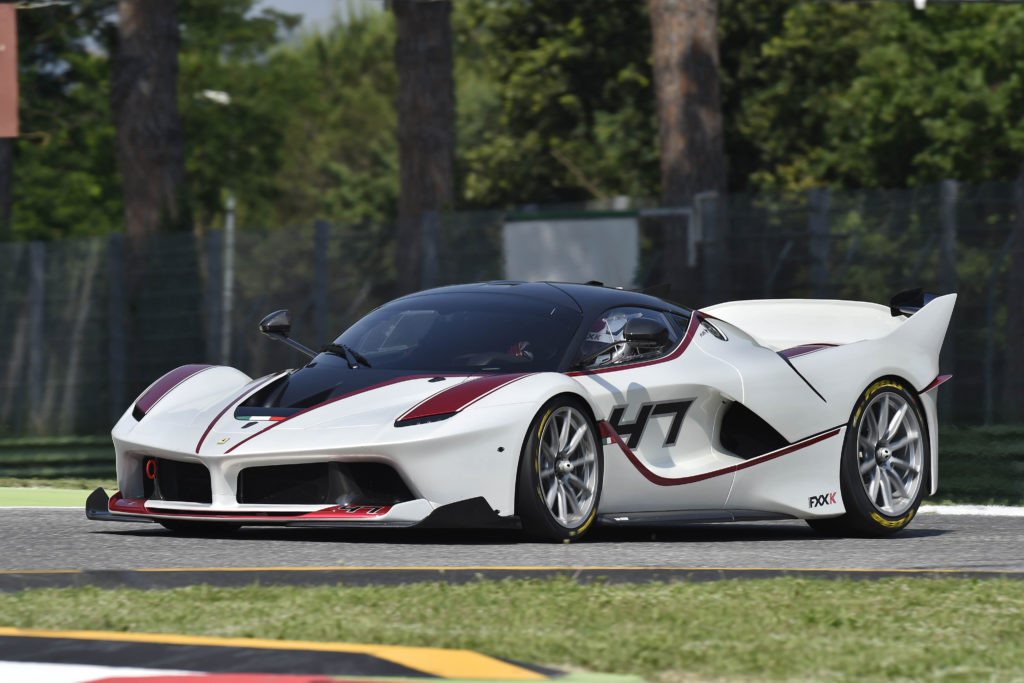 Ferrari FXX Wallpaper 4096x2731