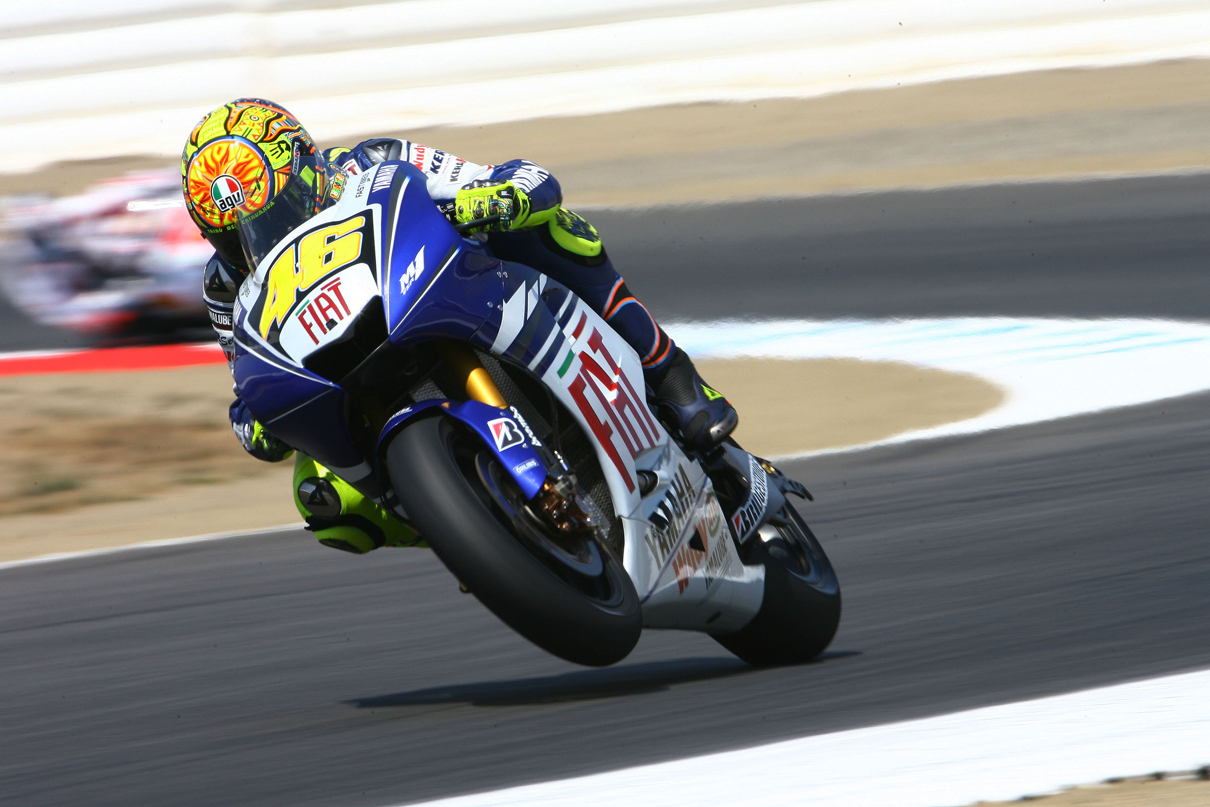 racing motorcycle wallpapers wheelie rossi motogp 2008 sports sportbike yamaha hd nu background backgrounds desktop 2400 1600 chevron wallpaperup right