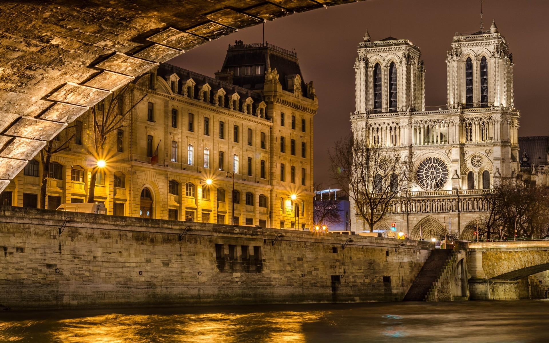 Notre Dame De Paris Wa...
