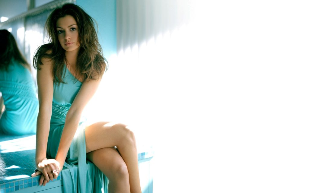 Anne Hathaway Widescreen Wallpaper