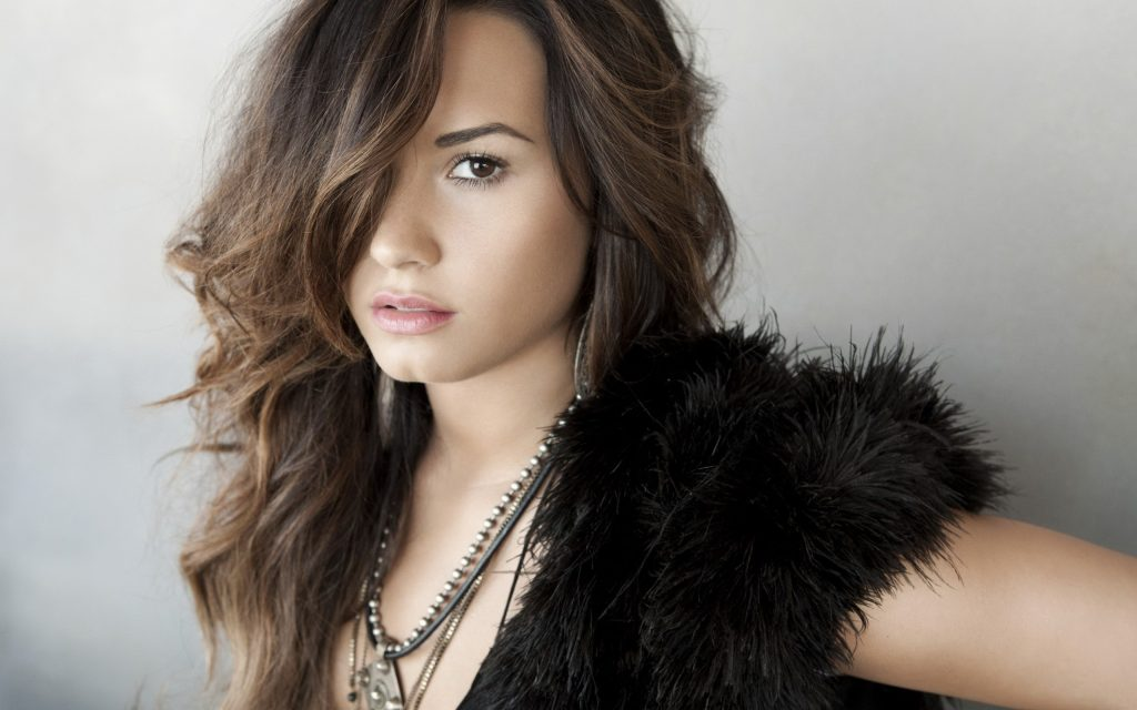 Demi Lovato Widescreen Wallpaper