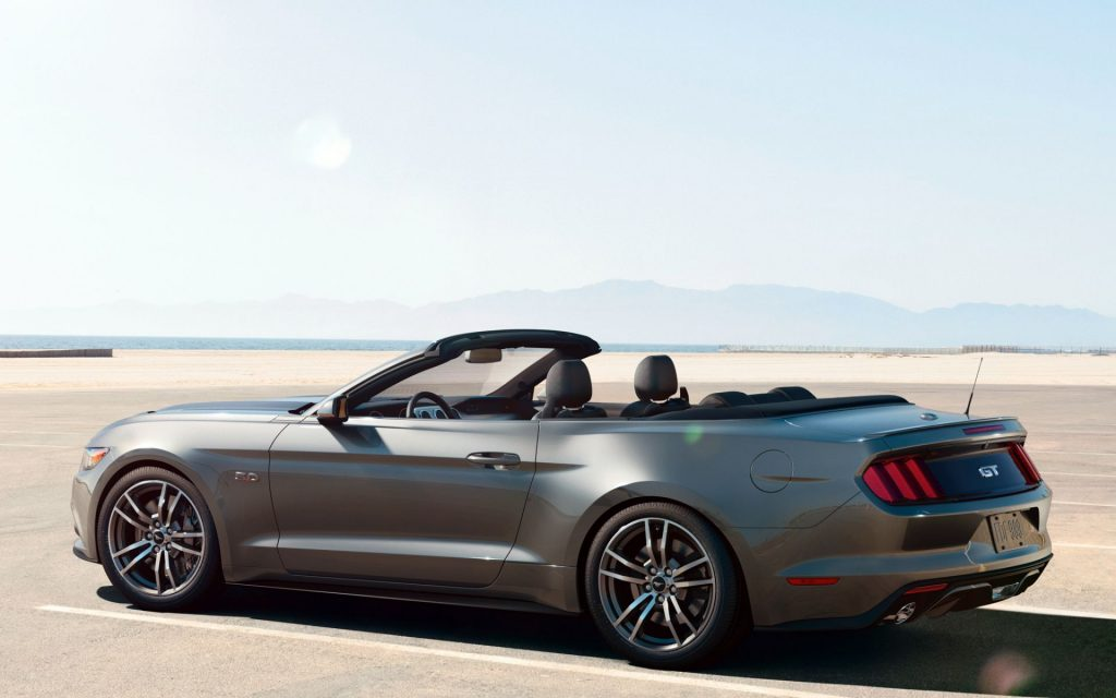 Ford Mustang GT Widescreen Wallpaper