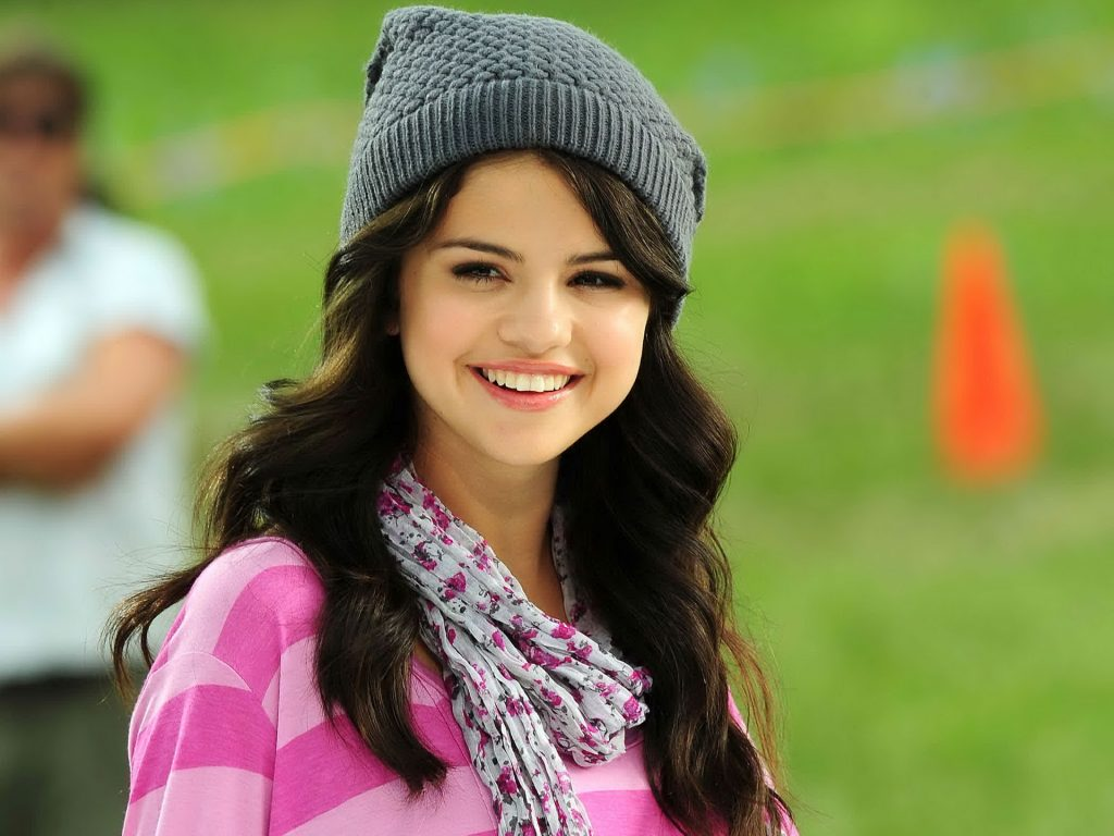 selena gomez wallpapers pictures images. Black Bedroom Furniture Sets. Home Design Ideas