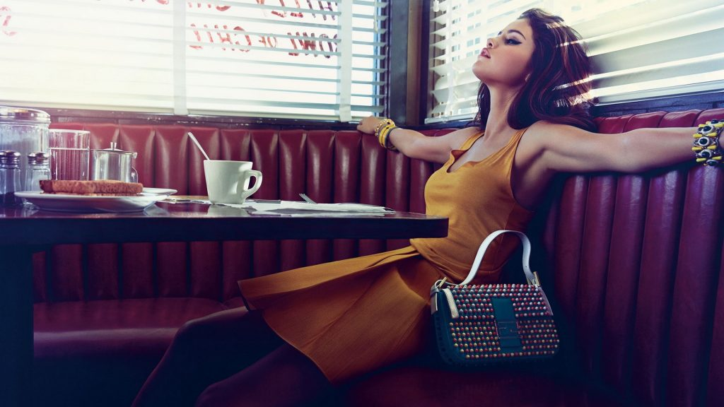 Selena Gomez Full HD Wallpaper