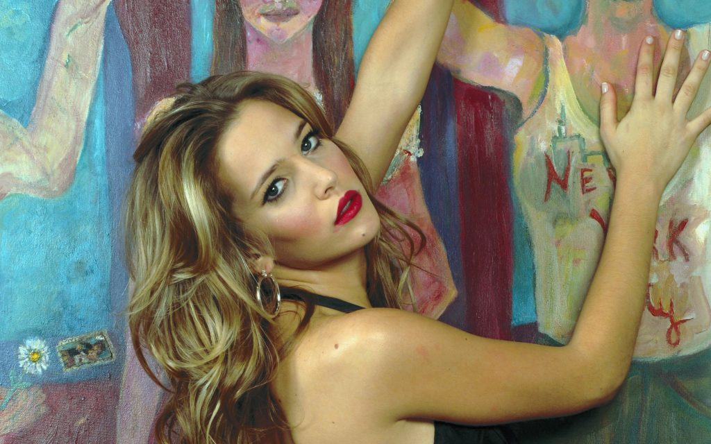 Luisana Lopilato Widescreen Wallpaper