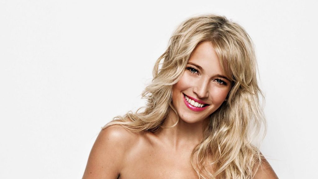 Luisana Lopilato Full HD Wallpaper