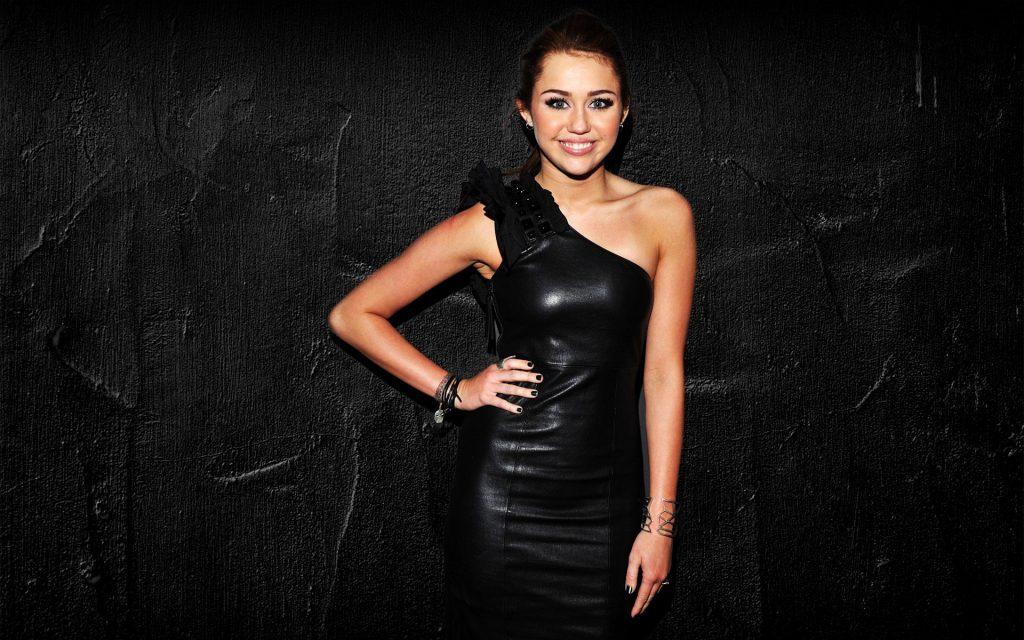 Miley Cyrus Widescreen Wallpaper