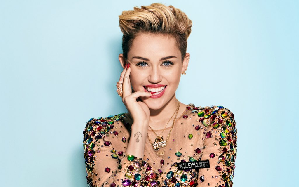 Miley Cyrus Widescreen Wallpaper