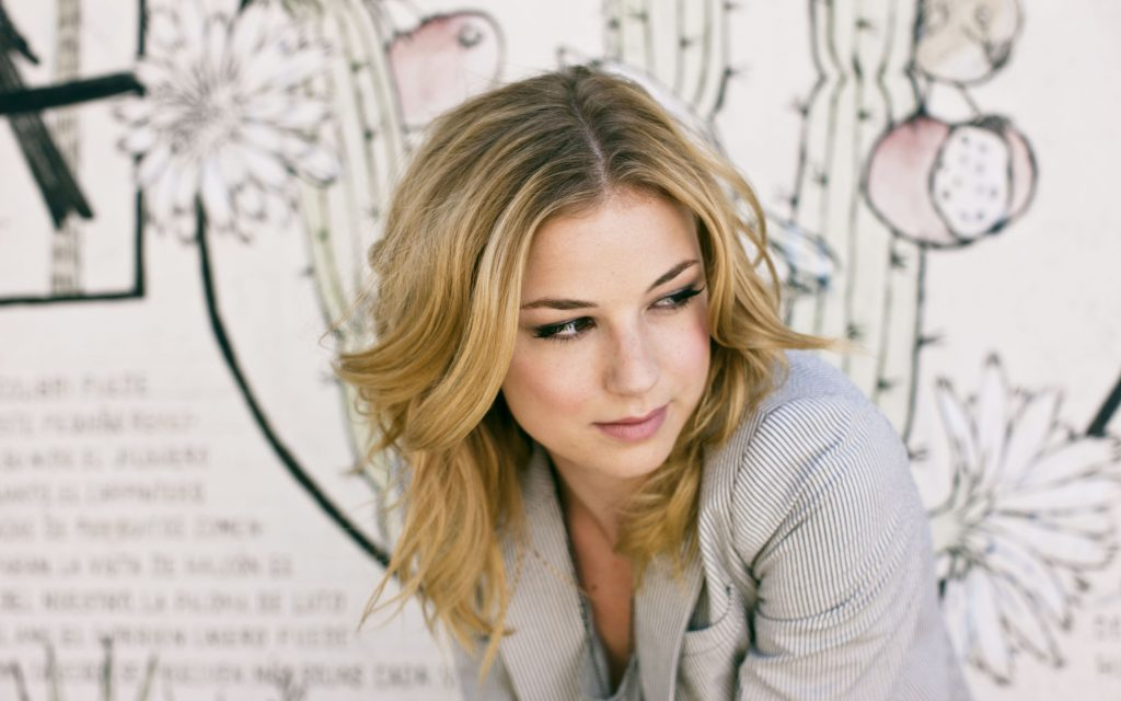 Emily VanCamp Wallpaper