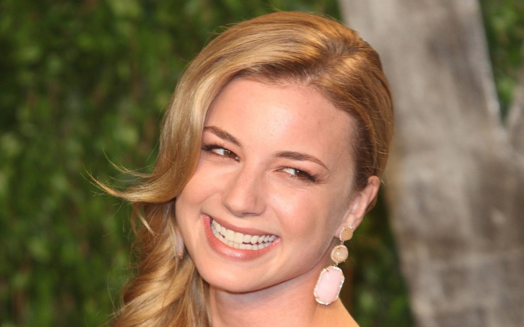 Emily VanCamp Widescreen Wallpaper