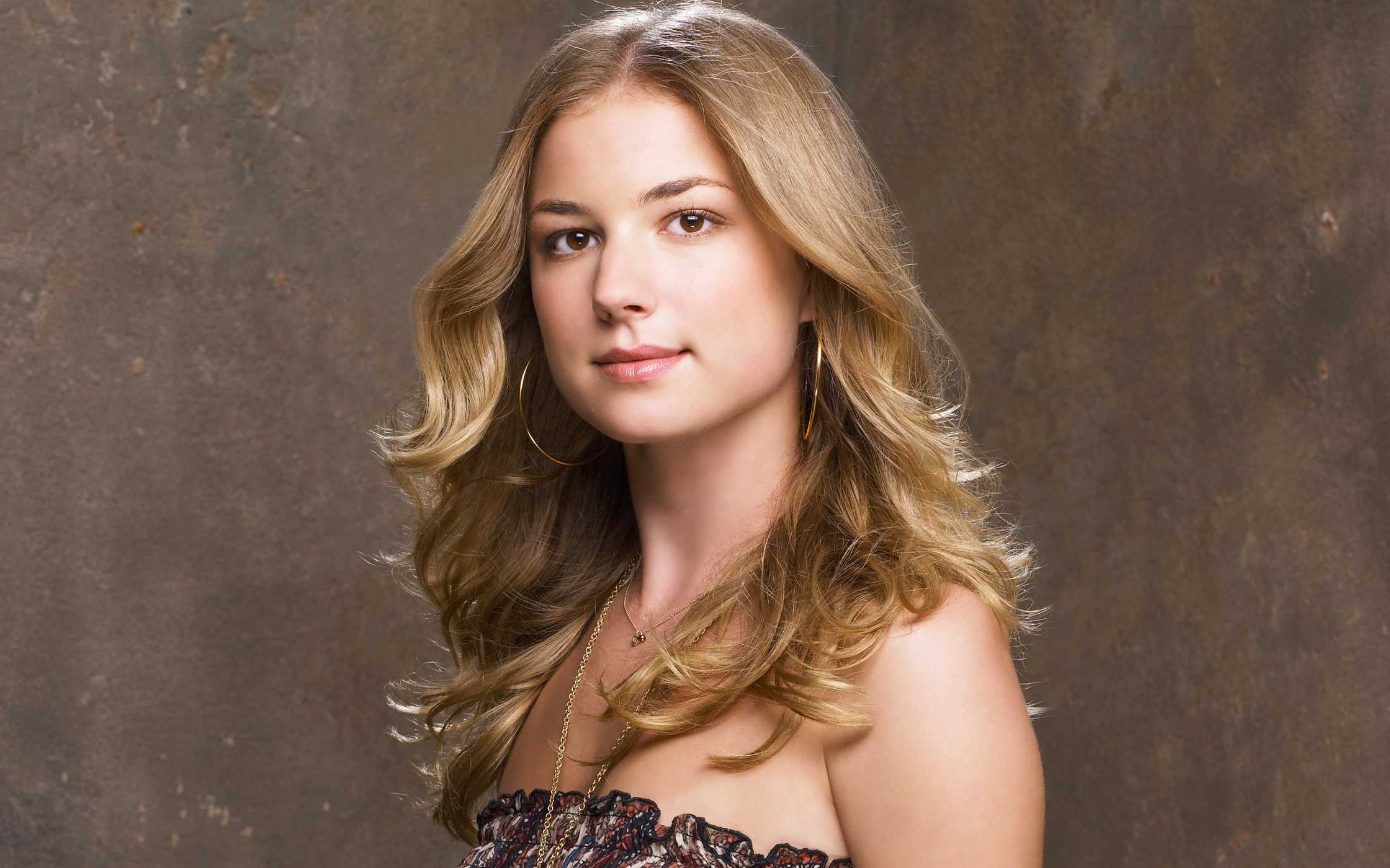 Emily VanCamp Wallpapers, Pictures, Images