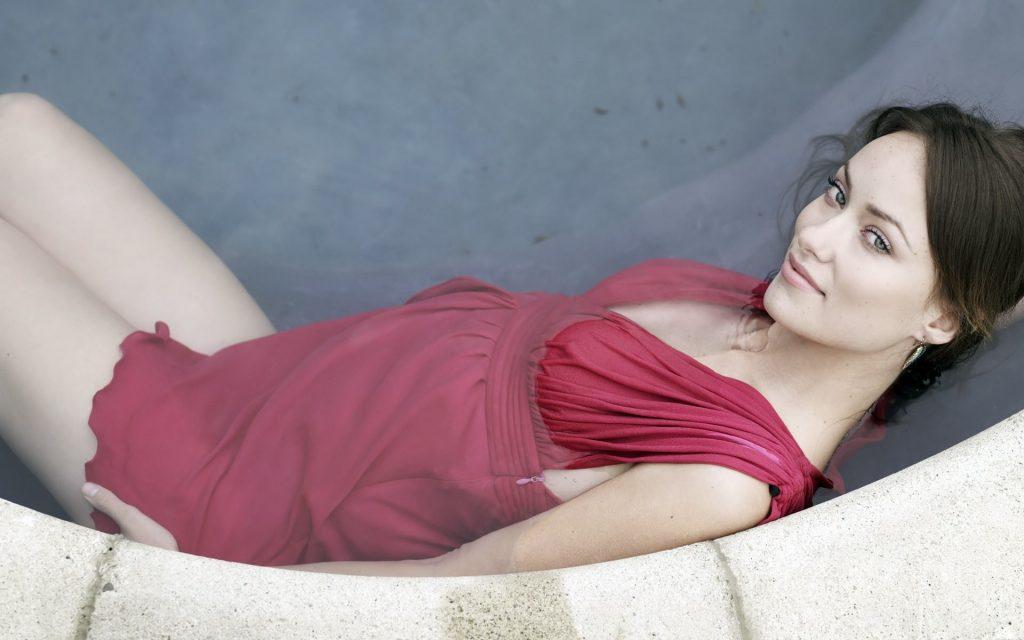 Olivia Wilde Widescreen Background