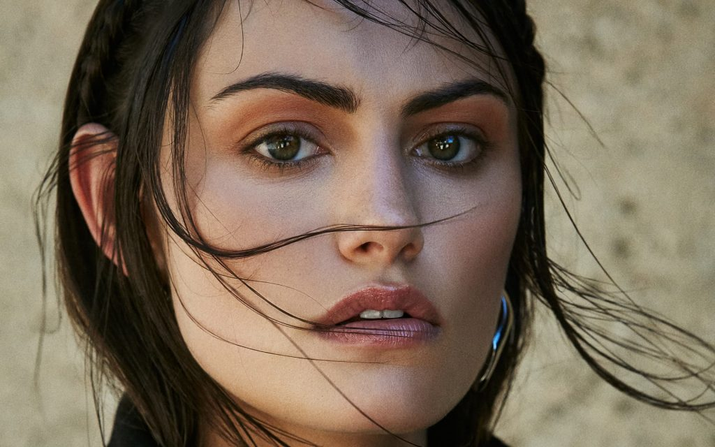 Phoebe Tonkin Widescreen Wallpaper
