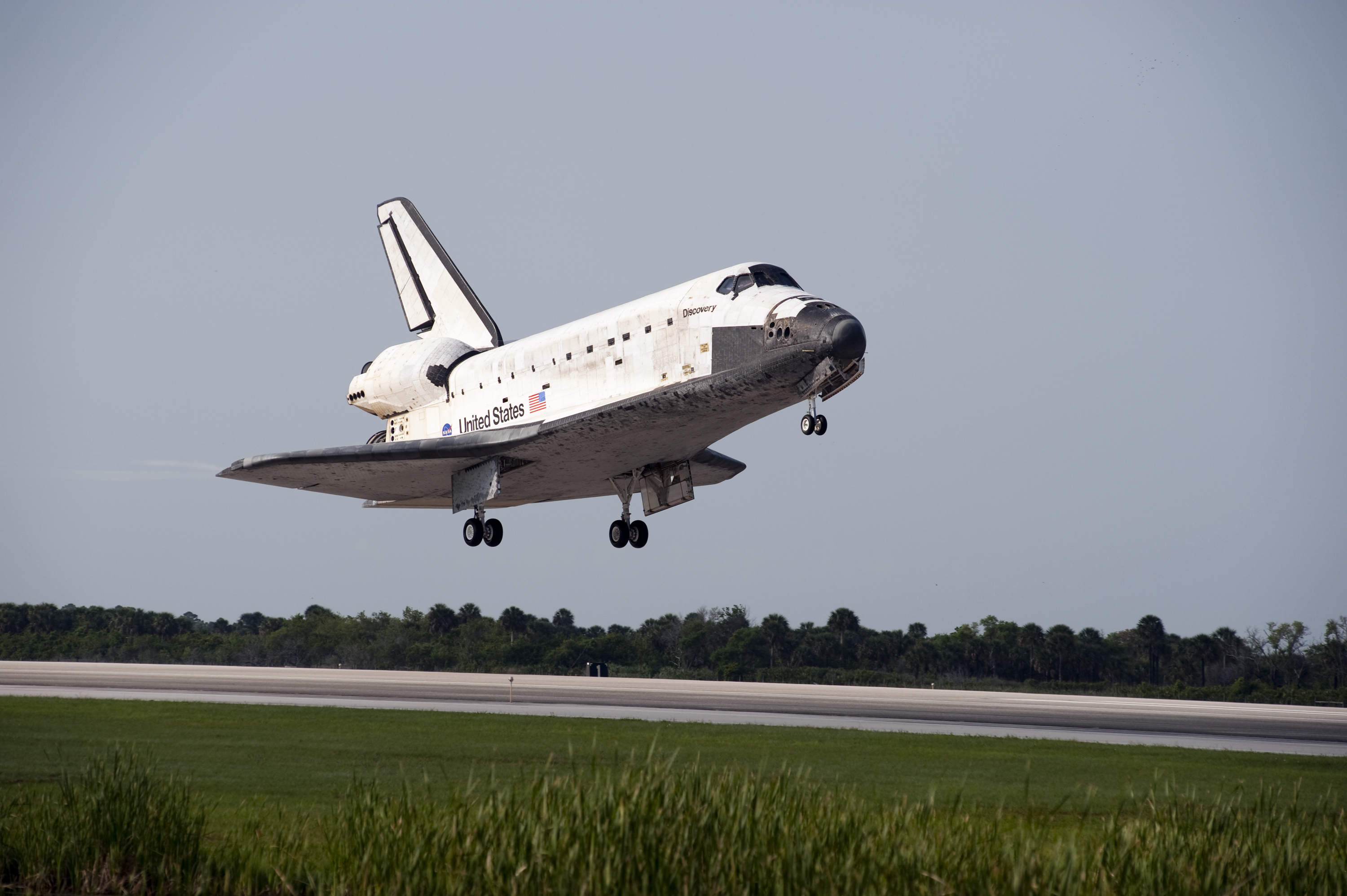 space shuttle discovery in la - photo #21