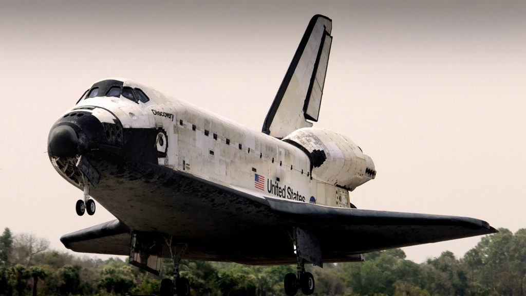 Space Shuttle Discovery Full HD Wallpaper