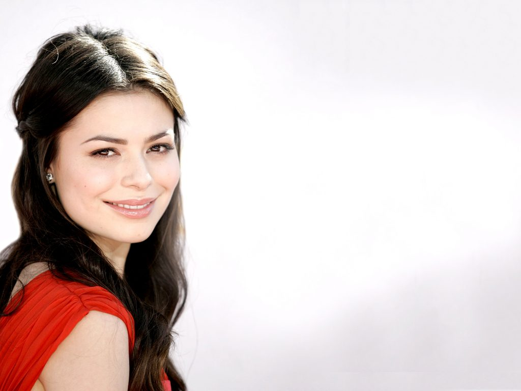 Miranda Cosgrove Wallpaper