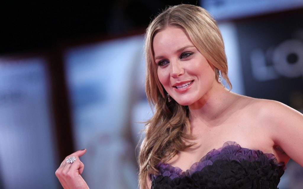Abbie Cornish 4K Ultra HD Wallpaper