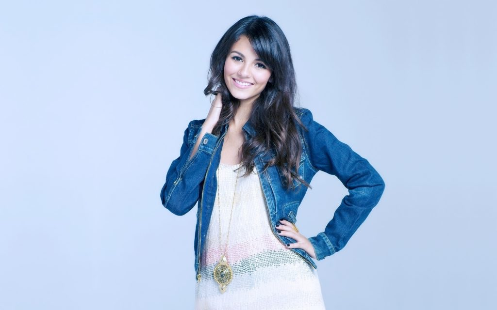 Victoria Justice Widescreen Background