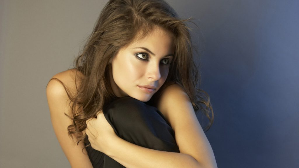 Willa Holland Full HD Wallpaper