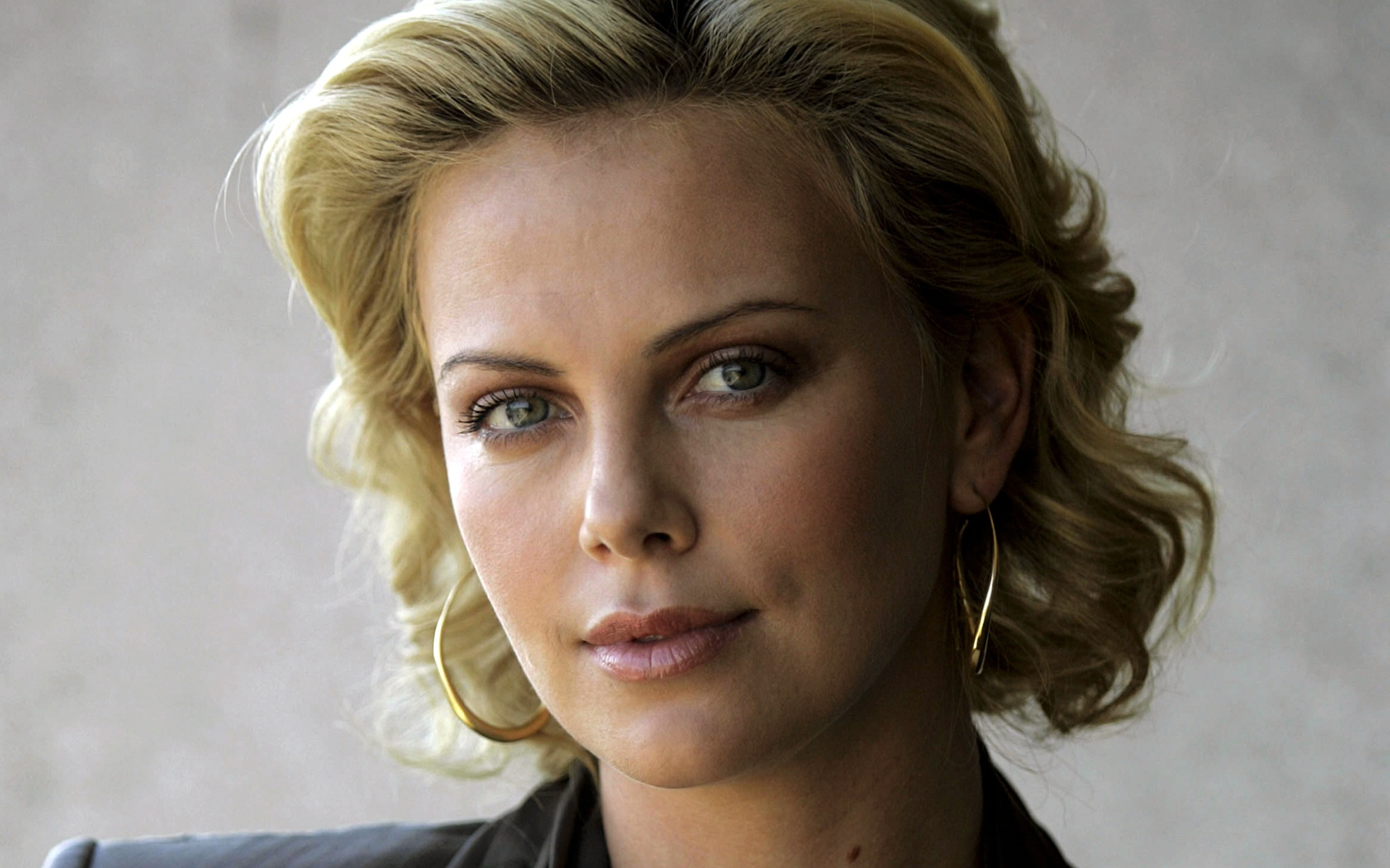 Charlize Theron Hd Wallpapers Pictures Images