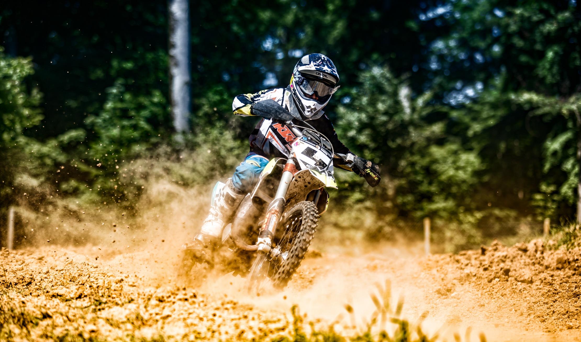 спорт мотоцикл гонка sports motorcycle race  № 3296425  скачать
