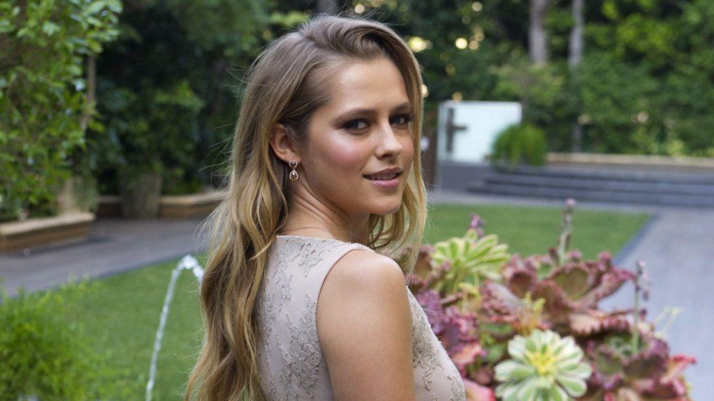 Teresa Palmer Full HD Wallpaper