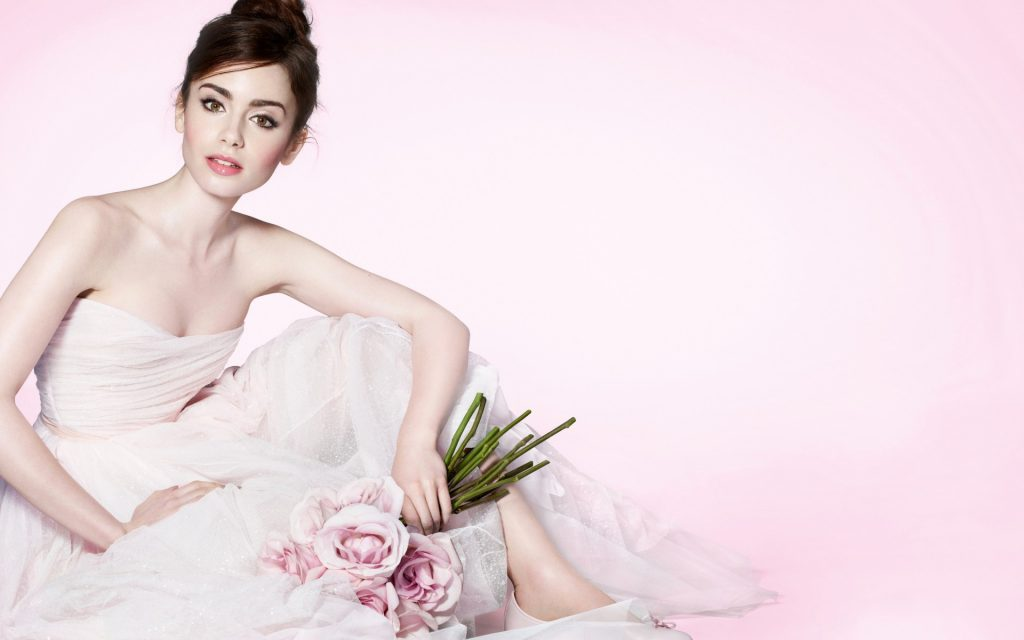 Lily Collins Widescreen Wallpaper