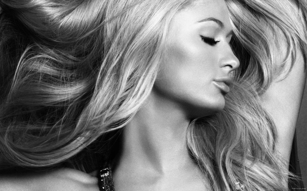 Paris Hilton Widescreen Wallpaper