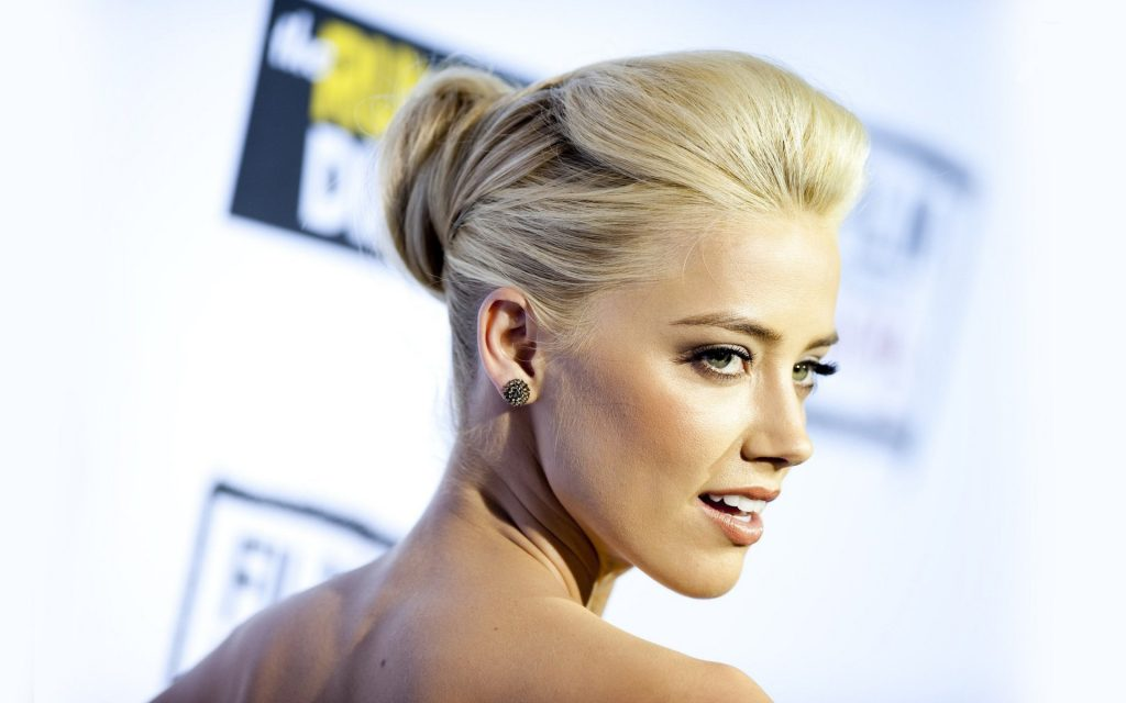 Amber Heard HD Widescreen Wallpaper