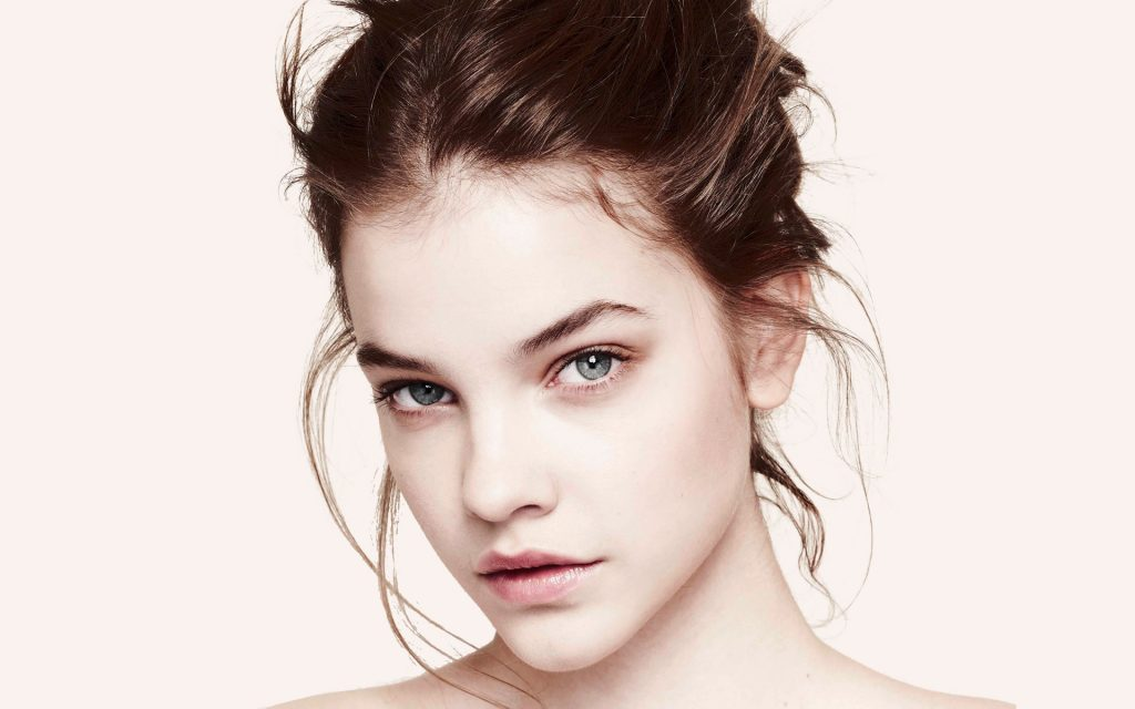 Barbara Palvin Widescreen Background