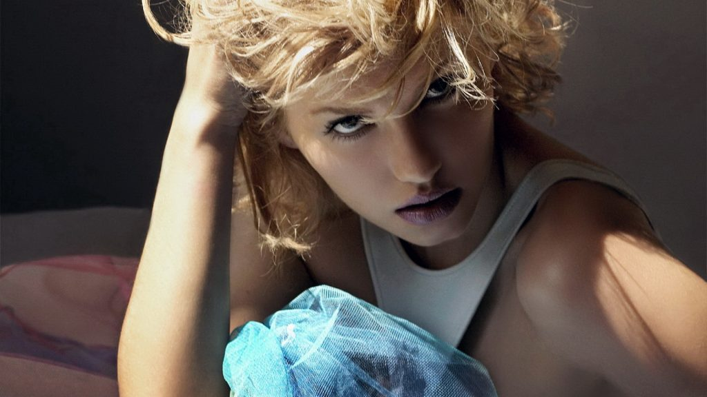 Elisha Cuthbert Full HD Wallpaper