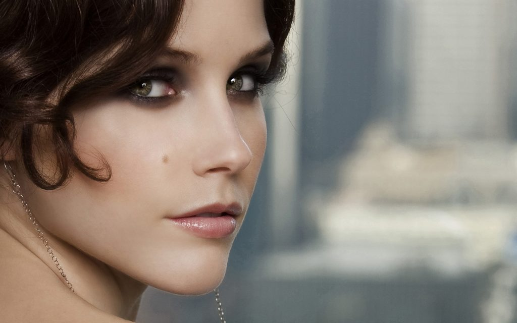 Sophia Bush Widescreen Wallpaper