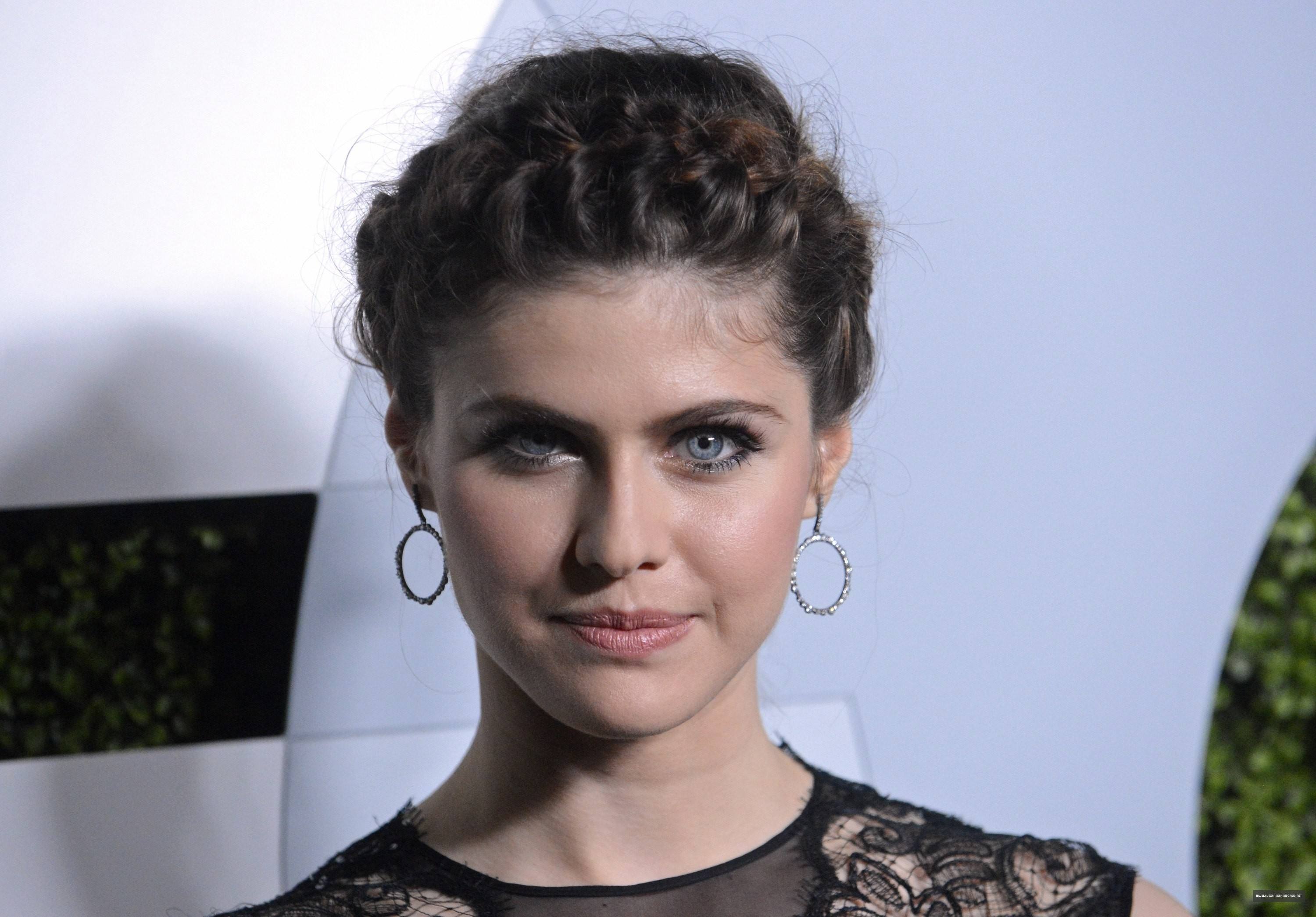 Alexandra Daddario Backgrounds Pictures Images