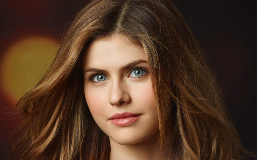 Alexandra Daddario 4K Ultra HD Wallpaper
