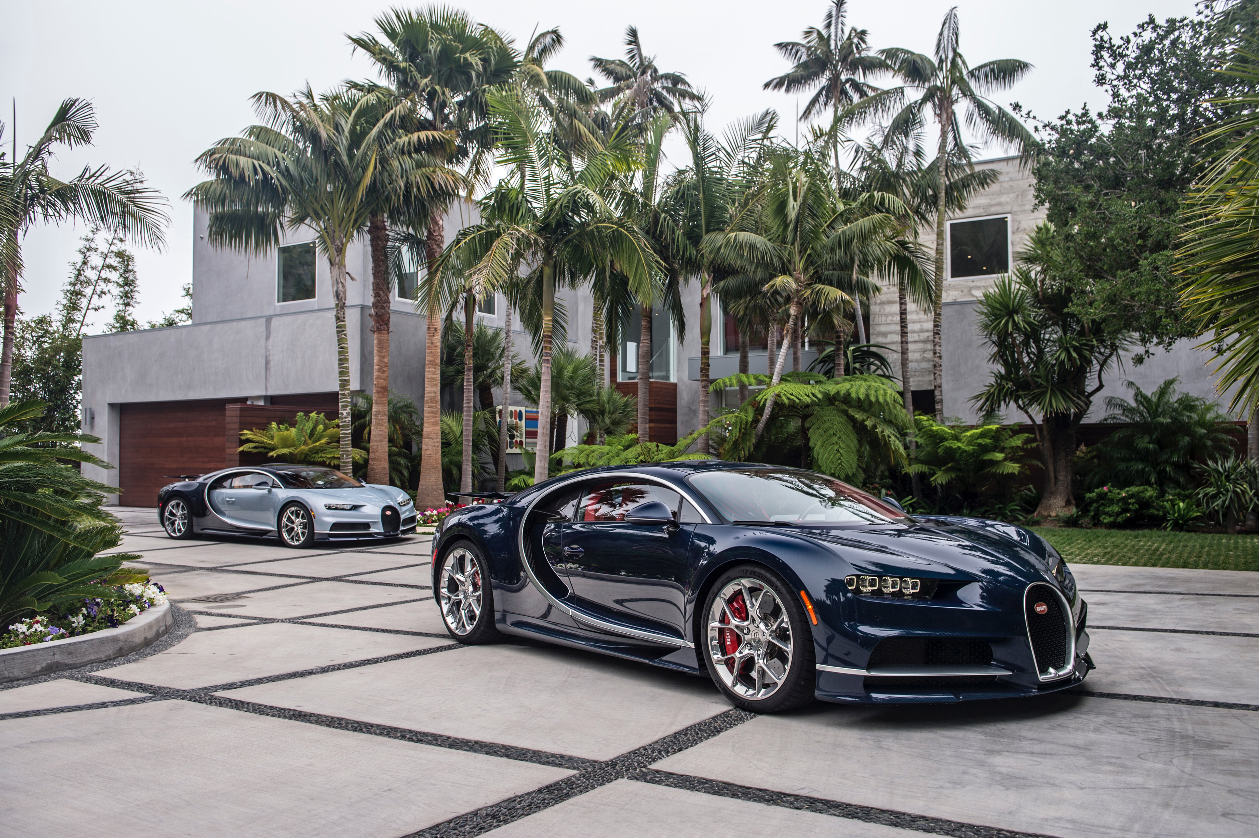 bugatti chiron wallpapers pictures images. Black Bedroom Furniture Sets. Home Design Ideas