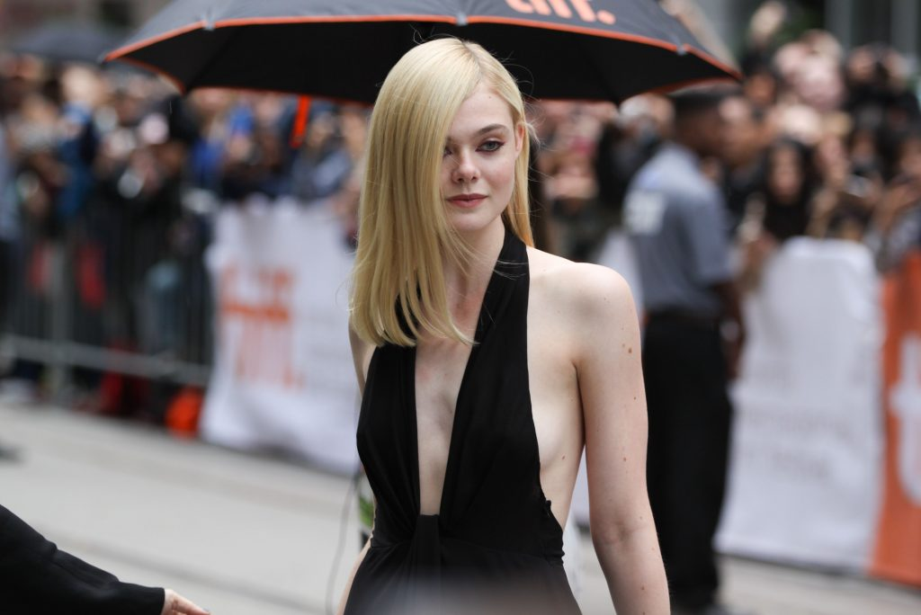 Elle Fanning Background