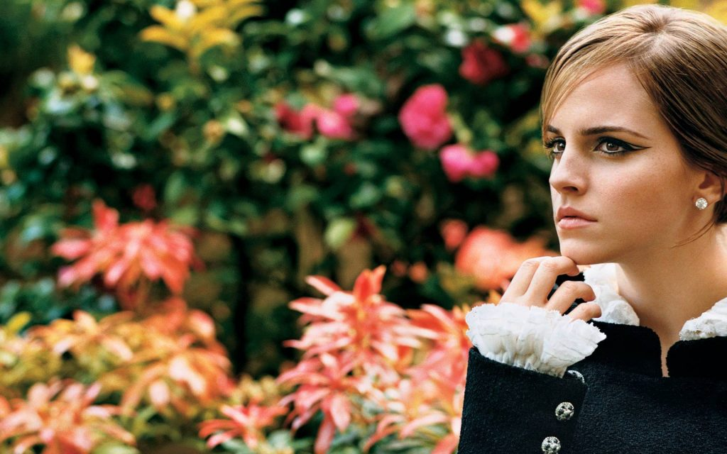 Emma Watson Widescreen Background