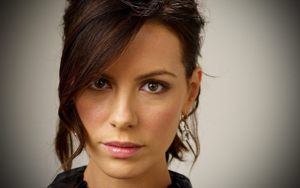 Kate Beckinsale Widescreen Wallpaper