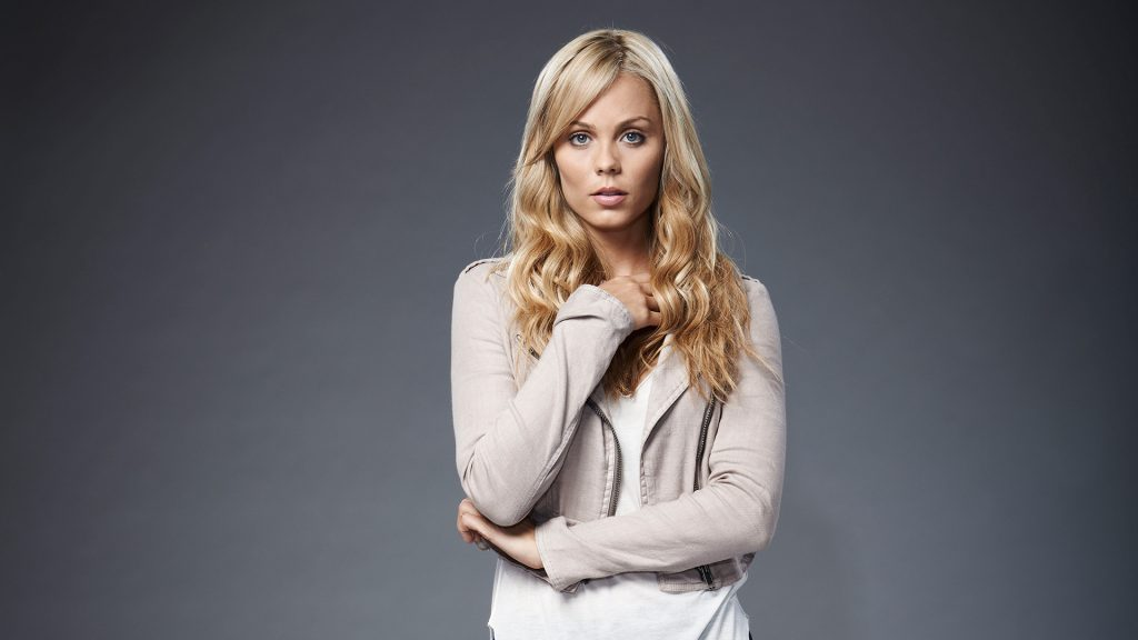 Laura Vandervoort Full HD Wallpaper