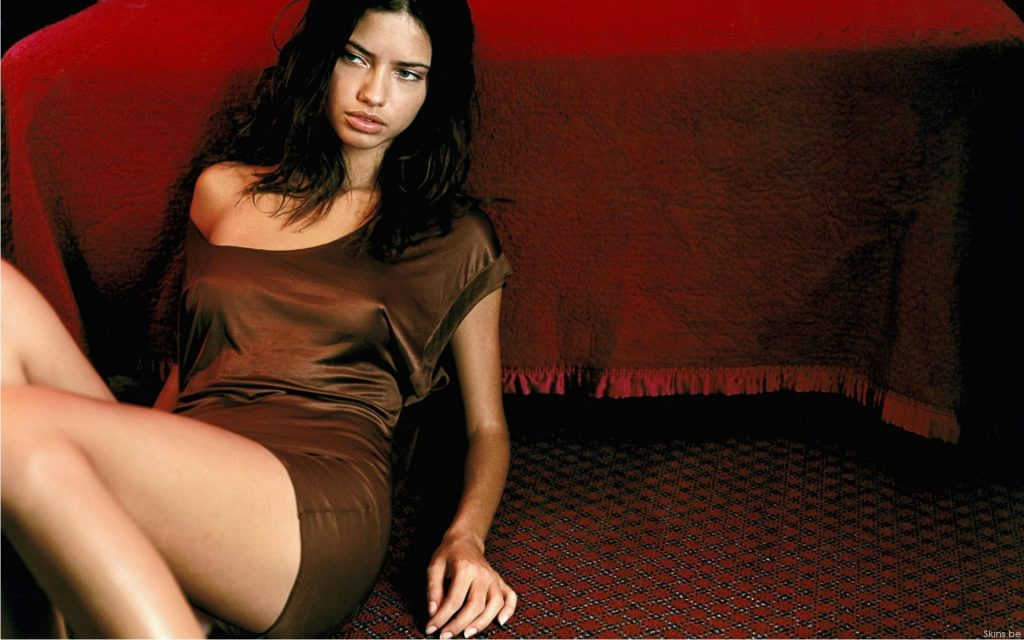 Adriana Lima Widescreen Background