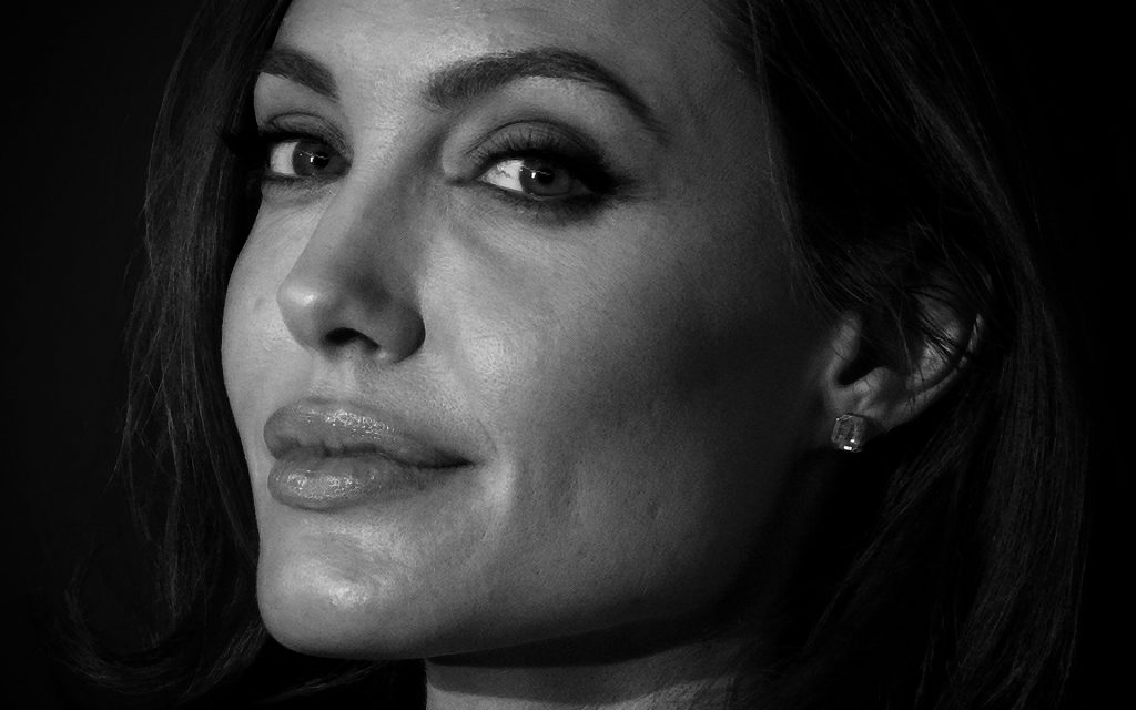 Angelina Jolie HD Widescreen Wallpaper