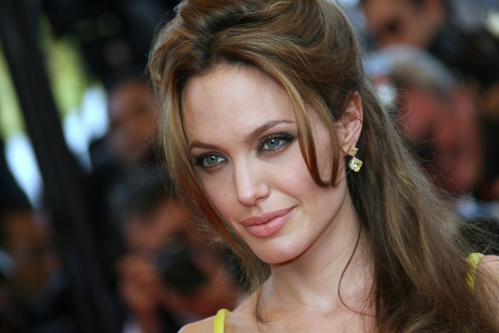 Angelina Jolie HD Wallpaper