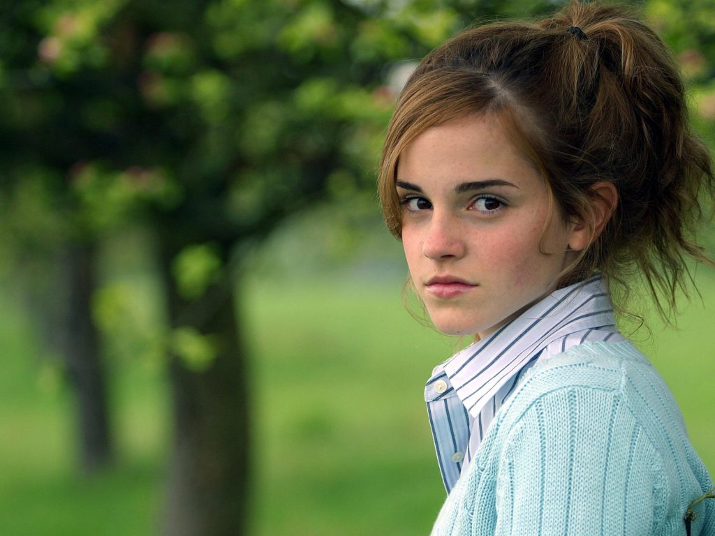 Emma Watson HD Background