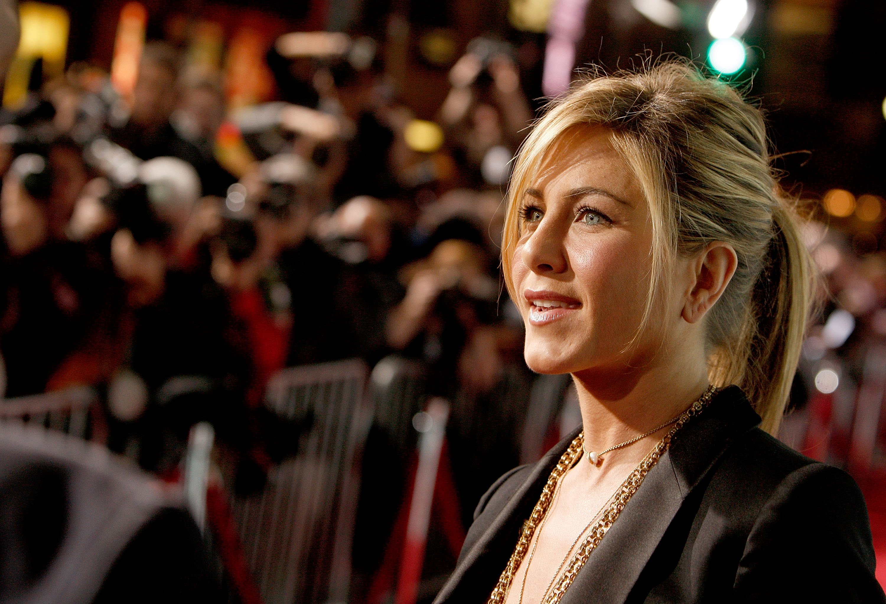 Jennifer Aniston Wallpapers Pictures Images