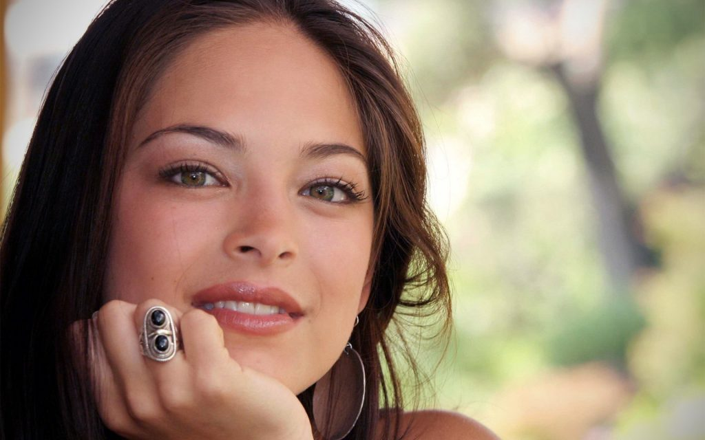 Kristin Kreuk HD Widescreen Wallpaper