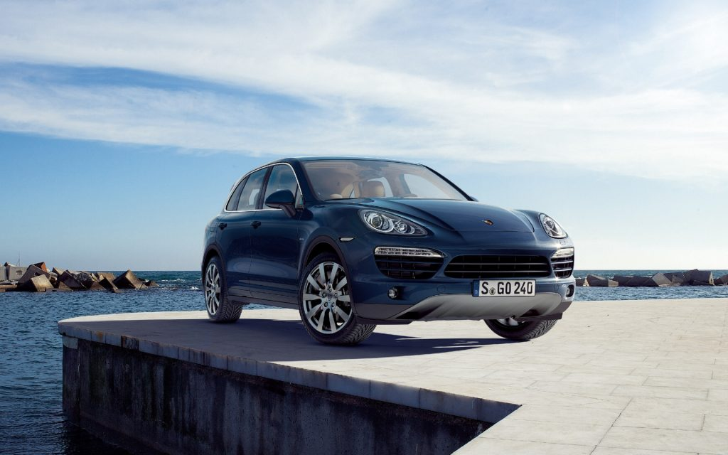Porsche Cayenne Widescreen Wallpaper