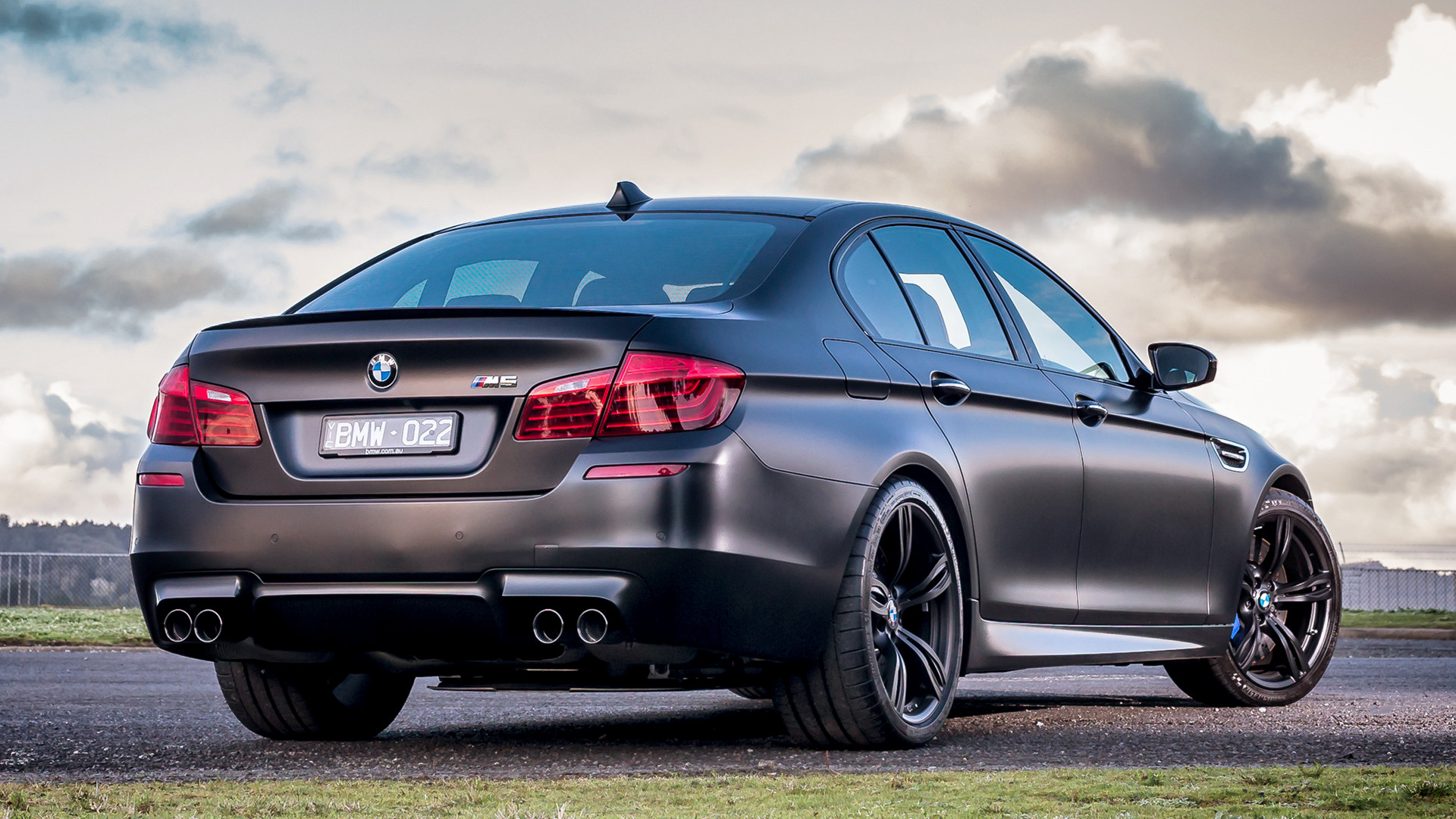 Bmw M5 Wallpapers Pictures Images